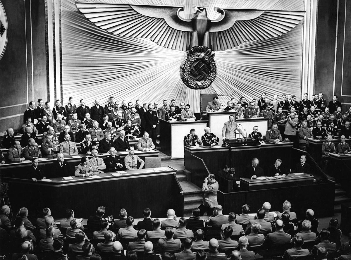 Hitler Reichtag