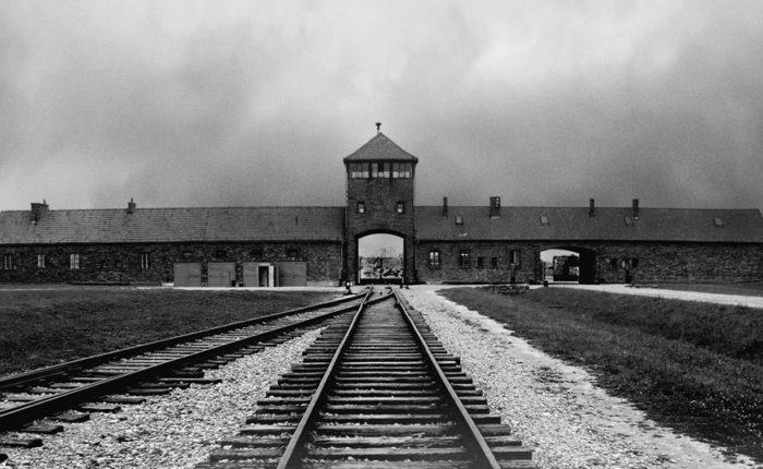 Auschwitz puerta de la muerte