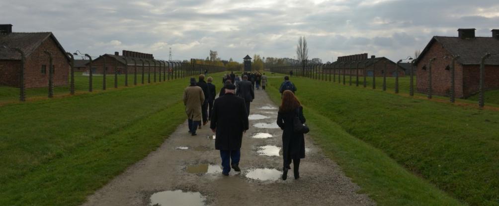 Visitando los campos de concentración